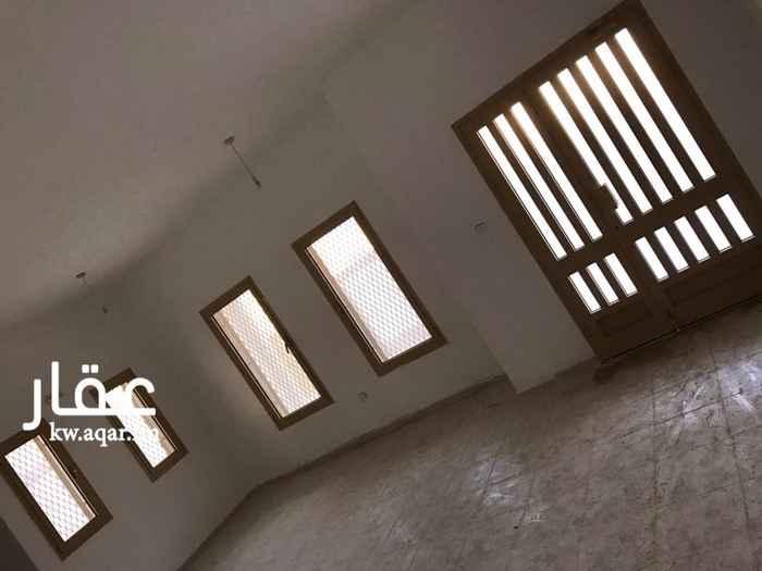 بيت للإيجار فى صباح الأحمد 4