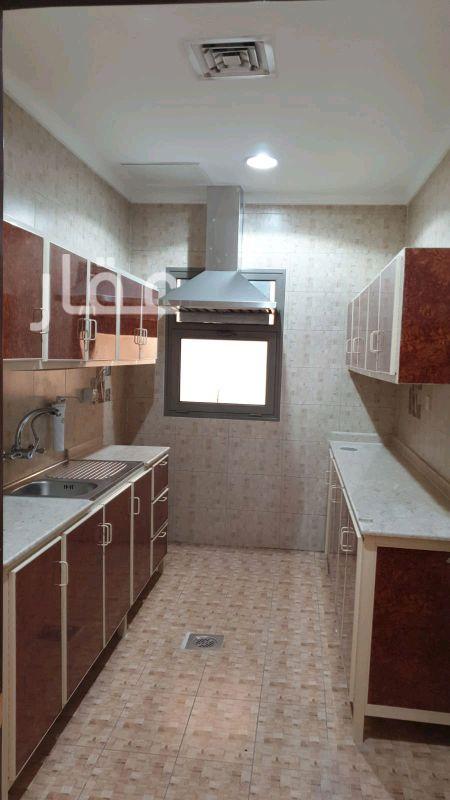 شقة للإيجار فى حي معسكرات المباركية 6