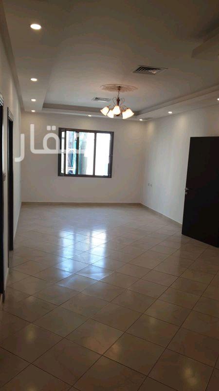 شقة للإيجار فى حي معسكرات المباركية 10