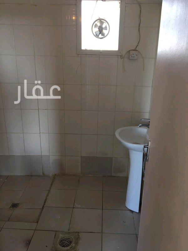 شقة للإيجار فى حي معسكرات المباركية 12