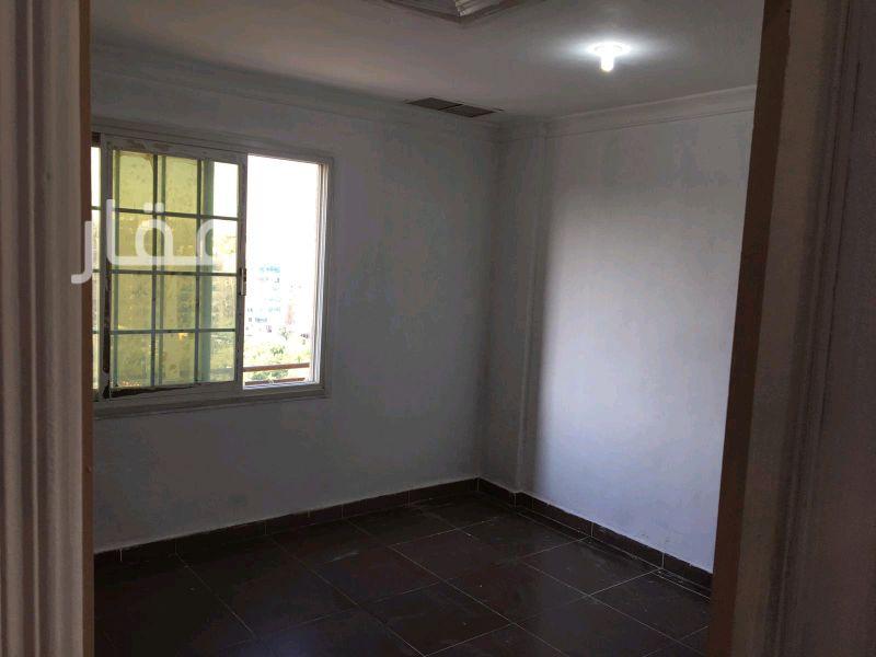 شقة للإيجار فى حي معسكرات المباركية 121