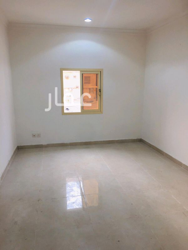 عمارة للإيجار فى شارع عبدالله العلي الحمدان ، حي الفنطاس 2