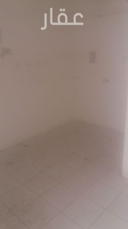 محل للإيجار فى بيت التمويل الكويتي حولي ، حولي 21