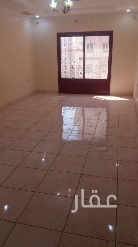 شقة للإيجار فى شارع شرحبيل بن حسنة ، حولي 4