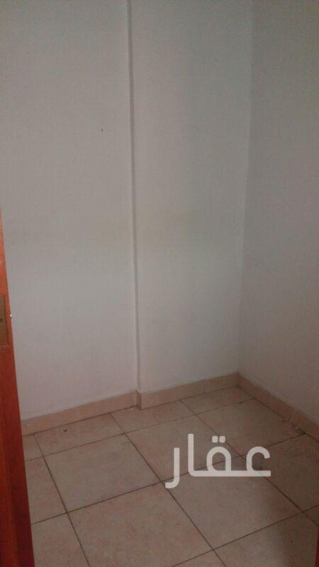 شقة للإيجار فى شارع شرحبيل بن حسنة ، حولي 41