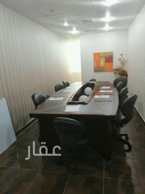 محل للإيجار فى شارع الشهداء ، حي شرق ، مدينة الكويت 2