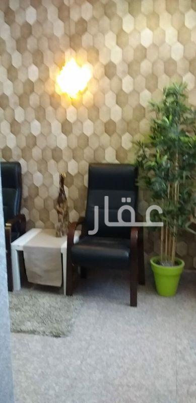 محل للإيجار فى محطة شركة النقل العام الكويتية ، شارع الشهداء ، حي قبلة ، مدينة الكويت 2