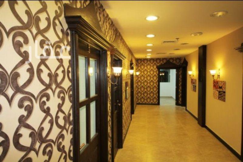 محل للإيجار فى 102 Street & Hussein Bin Ali Alroumi Road 01