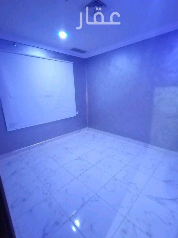 شقة للإيجار فى شارع يثرب ، السالمية 01