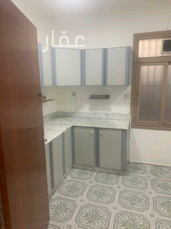 شقة للإيجار فى شارع 204 ، حي الشهداء 01