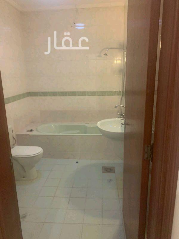 شقة للإيجار فى شارع 204 ، حي الشهداء 2