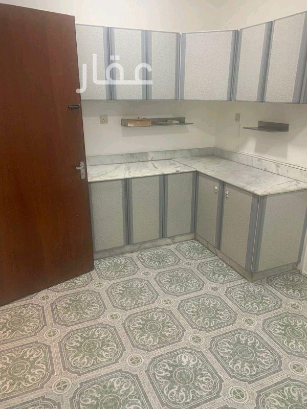 شقة للإيجار فى شارع 204 ، حي الشهداء 41