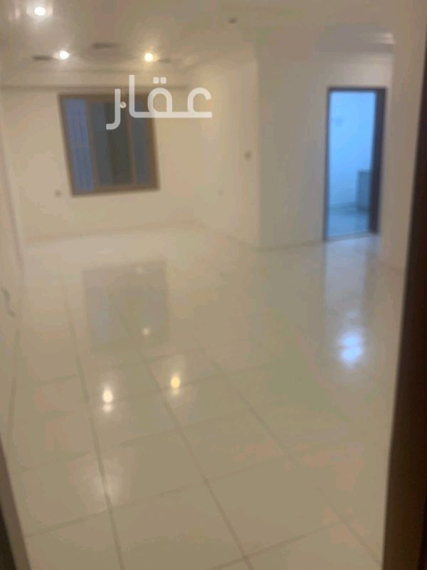 شقة للإيجار فى شارع 204 ، حي الشهداء 6