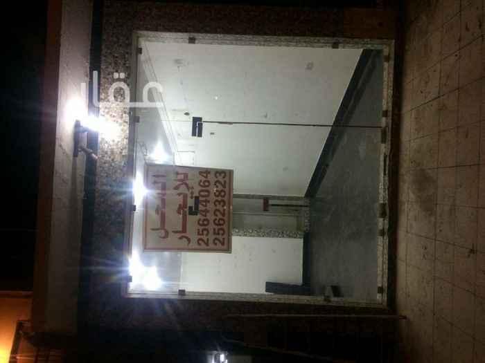 محل للبيع فى شارع عبدالله الفرج ، السالمية 0
