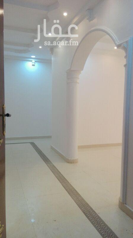 دور للإيجار فى طريق الامام سعود بن فيصل ، حي الملقا ، الرياض 21
