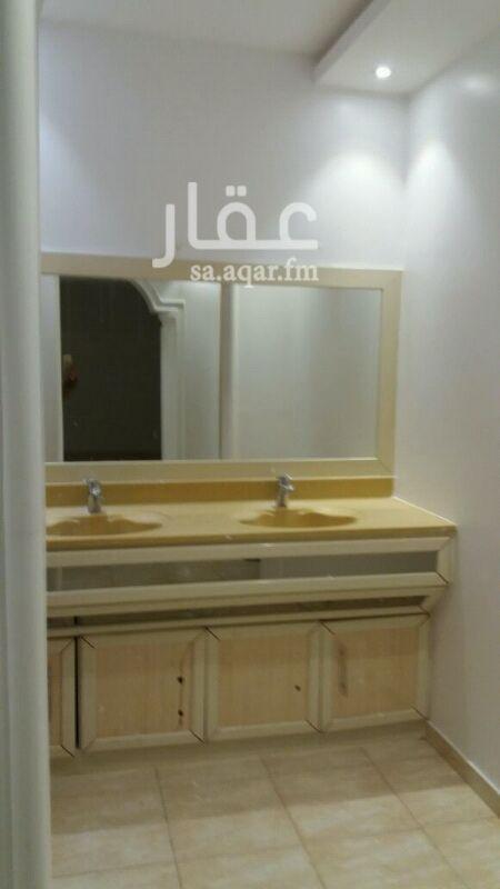 دور للإيجار فى شارع وادي وج ، حي الملقا ، الرياض 0