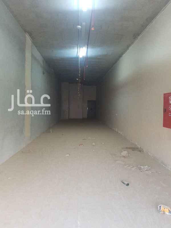 758394 محلات للايجار حي المونسية شارع محمد البرقي مساحة كل محل١٠٠  متر و داخلة غرفة يصلح مغسلة يوجد محلين فقط في العمارة سعر كل محل٣٧.٠٠٠ ريال