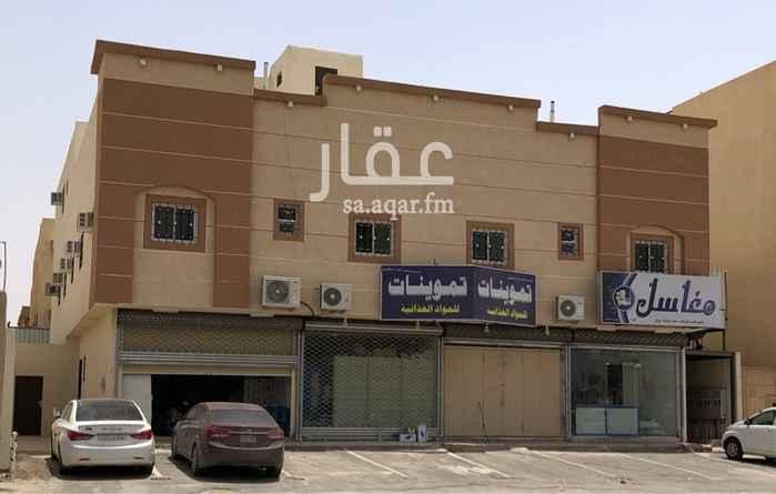 960837 - عمارة سكنية تجارية للبيع بحي العزيزية في مدينة الرياض   - واصل جميع الخدمات بالاضافة الى الصرف الصحي   - العمر سنة وحدة   - مساحتها 660م   - مكونة من أربع محلات مؤجرة على مغسلة و تموينات و أيضا 8 شقق سكنية مؤجرة  - الدخل السنوي ٢٠٢ ألف ريال  مكتب السلامه للعقارات  0553135552 0507171851