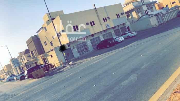 1635278 فرصة استثمارية للبيع عمارة تجارية في حي بدر مقابل قصر الشهامة سابقاً على شارع ام عمارة على شارعين