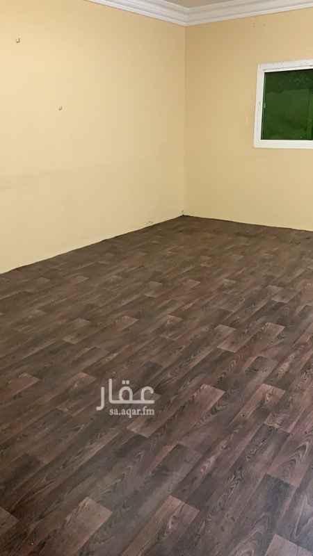 1290430 اربع غرف وصاله ومطبخ وحمامين دور ارضي