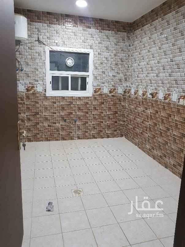 1650182 شقه عوائل للإيجار  تتكون من ثلاث غرف وصاله ومطبخ ومدخلين ملحق السعر ١٧٠٠٠ دفعتين للتواصل فقط على الرقم التالي 0503004772