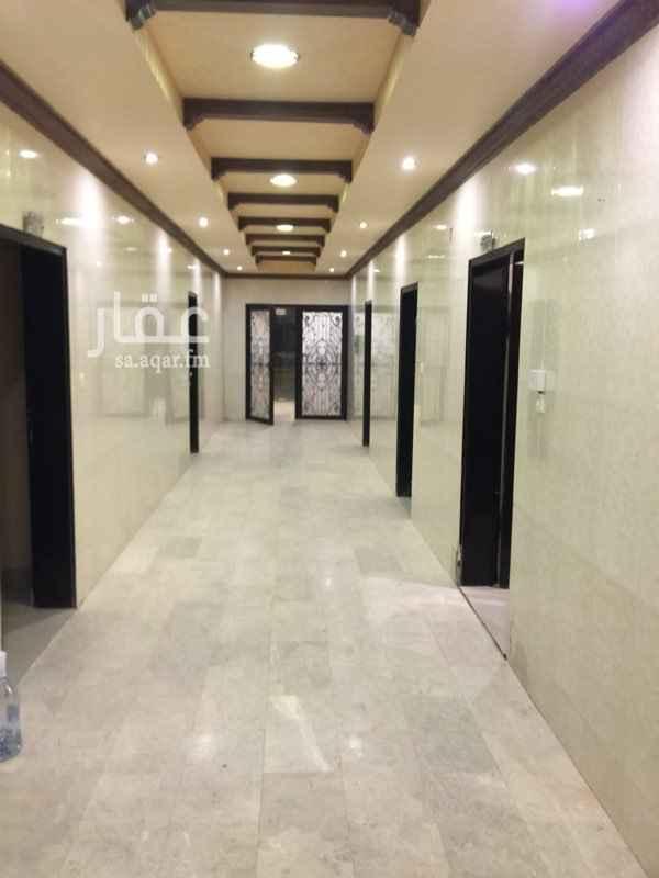 1561593 عمارة سكنية للايجار بالكامل  موقع مميز  14 شقة كل شقة اربع غرف ما عدا ثلاث شقق  مصعد  مكيفات ومطبخ راكب  التواصل مكتب الرماح  0500077876