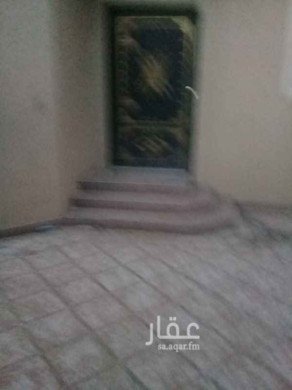 1662270 دور ارضي اربع غرف مدخل سياره المالك يتحمل كل صيانه البيت كامله