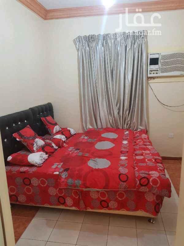 1378493 شقه مفروشه مكونه من غرفتين نوم ومجلس وصاله وحماممين ومطبخ بسعر ٣٠٠٠ريال في الشهر