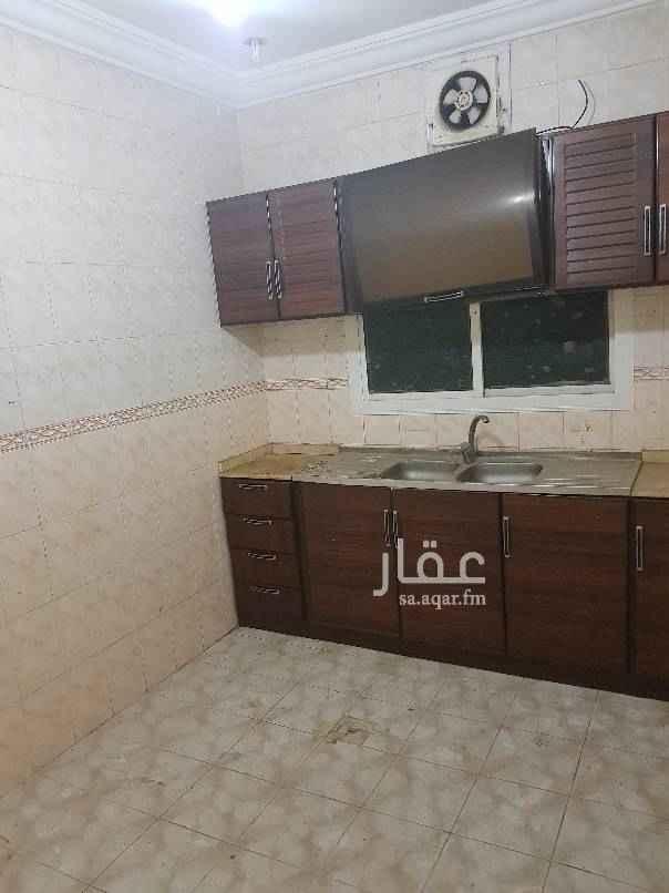 1456082 شقه مكونه من غرفتين وصاله ومطبخ راكب و٢ حمام مساحات كبيره بسعر ١٦٠٠٠ الف ريال