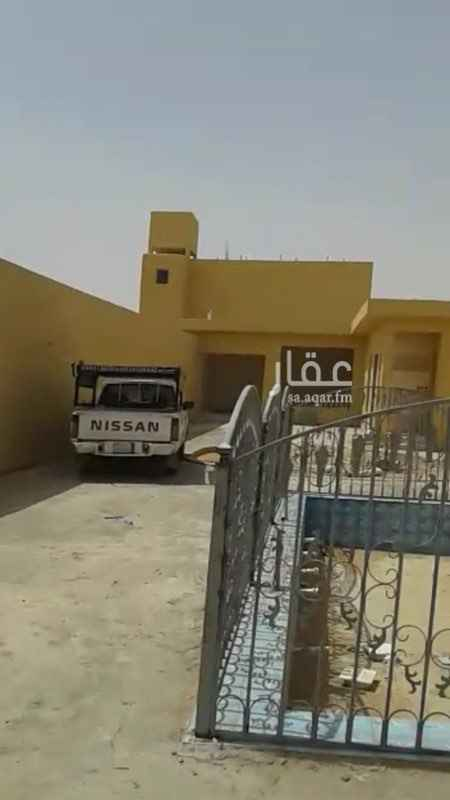 1557715 مجلس4*10 ومقلط ومدخل سيارة وحوش كبير جديدة حي الخير شمال الريلض