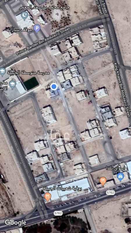 1435426 شقة علوية في مخطط ٦٠، قريبة من الجامع مدارس البنين والبنات.