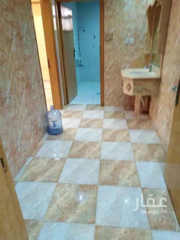 1441220 للإيجار شقه عوائل ٢غرفه ٢ حمام صاله مطبخ وسيعه مره حي الملك فيصل
