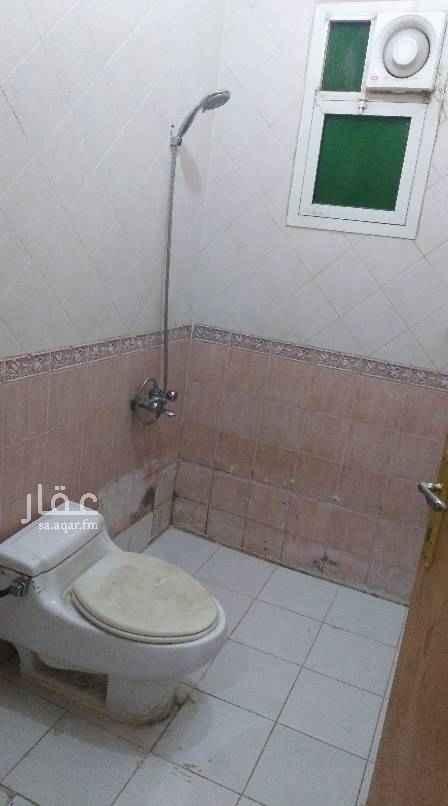 1552932 دور علوي للايجار حي الملقا 5 غرف وصاله ومطبخ وحمامين مدخل مشترك