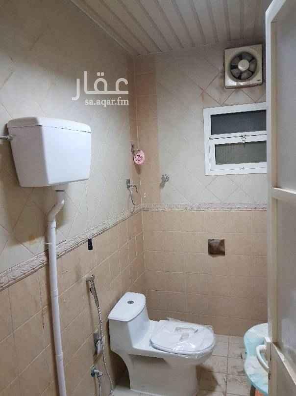 1511080 مدخل سيارة + مشب + مجلس + مقلط + ثلاث غرف نوم