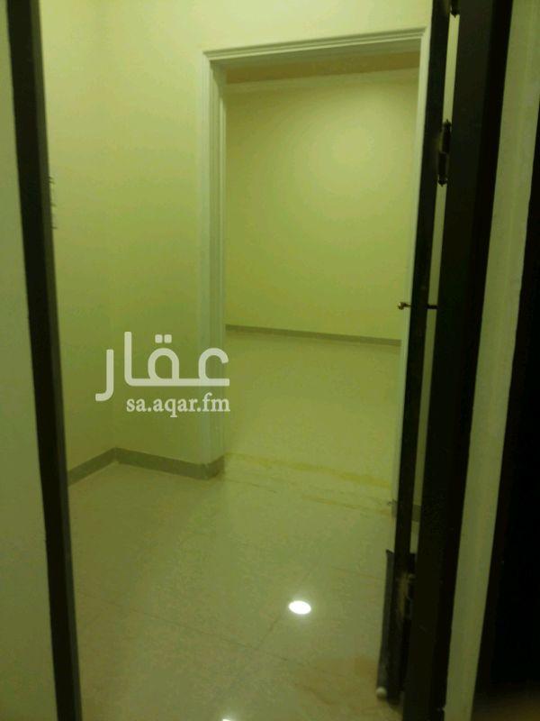 1135619 شقه ٣ غرف وصاله +حمامين +مطبخ . الماء مجانى الاجار شهرى او سنوى ( حى المعالى _ الشروق)