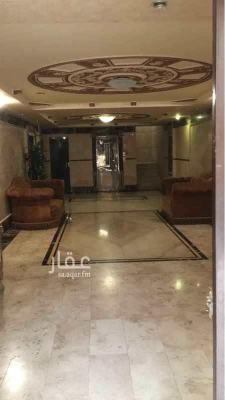1778177 شقة للايجار بحي الزهراء مكونة من  3 غرف نوم 2 مجالس صالة 3 حمامات غرفة سواق