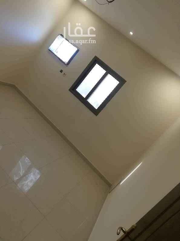 1734065 للايجار شقه عزاب بالتجاري ابو بكر الصديق عمارة بنك الرياض   1200 الشهر شامل المياه والكهرباء .   تأمين + سعي