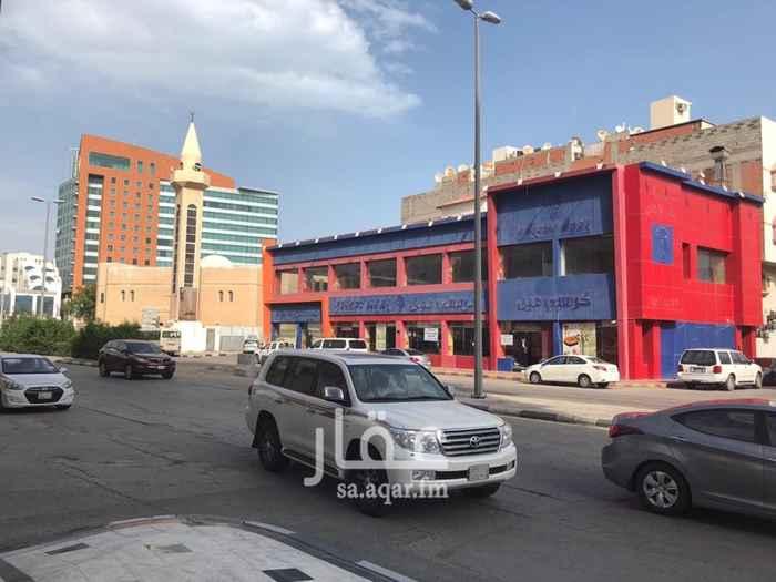1400046 مبنى للايجار ب 380,000 سنويا مساحة ٨٤٠م  يفتح على ٣ شوارع تقاطع ش الرياض مع ش الملك عبداللة بجانب ماكدونالدز مدينة الخبر، حي الثقبه للاستفسار: 0503861538