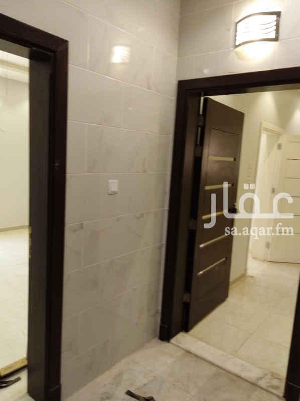 1751649 للبيع شقة حي زهرة المنار  ٥غرف ٤حمام صالة ومطبخ وخزان مستقل وغرفة خادمة وسائق ب٦٨٠الف