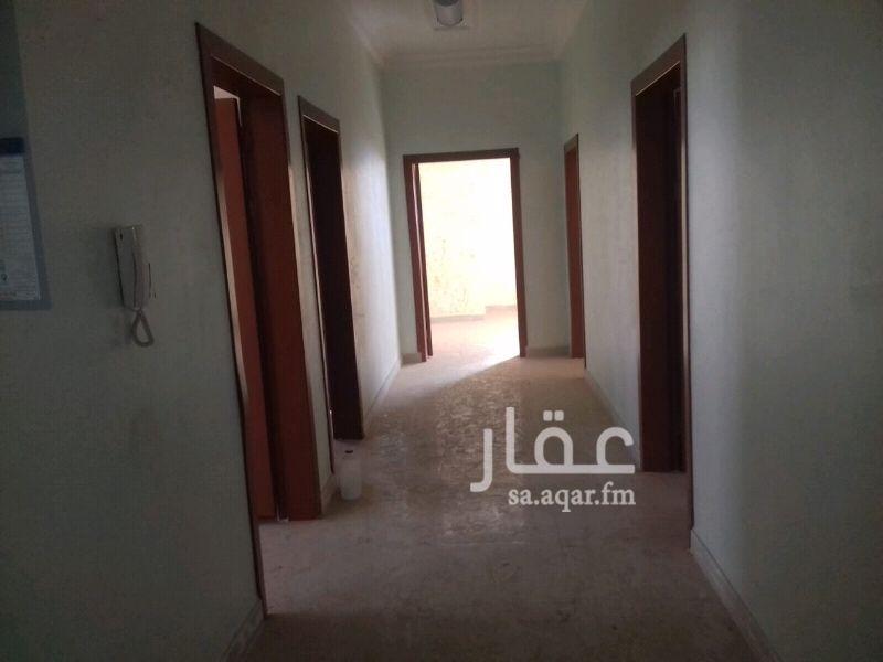 1340649 شقه فاخره في حي الغروب تتكون من خمس غرف وسيعه