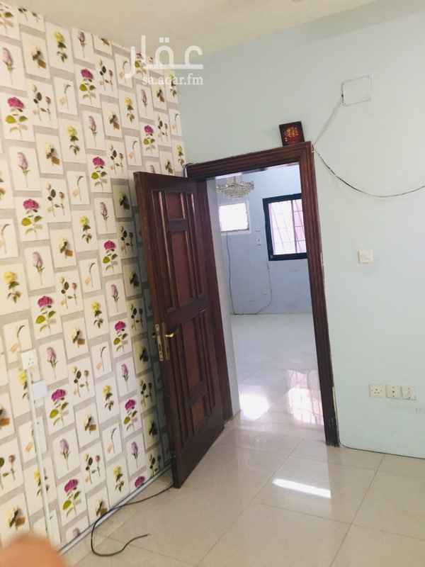 1653763 شقة عوايل ٣غرف وحمامين وصالة ومطبخ وحوش كبير للنواصل ٠٥٦٩٩٨٥٩٨٥