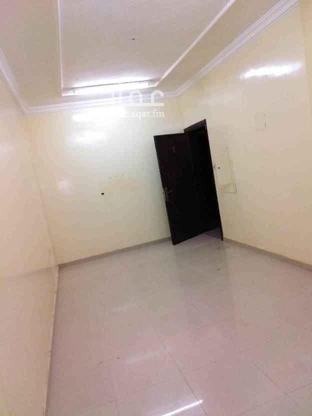 1605172 للايجار شقق عزاب بالثقبة مكونة من غرفتين وصالة وحمام ومطبخ مطلوب 13500 الف