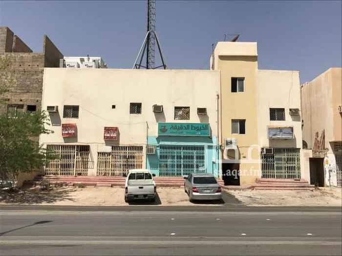 1574632 عمارة للإيجار في شارع المقداد بن عمرو ، حي العريجاء الغربية ، الرياض الواجهة شرقية  تجاري و سكني  عرض الشارع 40 متر 14 غرفة  4 محلات  المساحة 400 متر مربع  الايجار للشركات فقط نعتذر من المستثمرين