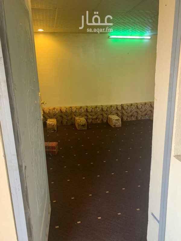 1589420 غرفة + حمام + مطبخ   التواصل عبر الرقم 0554636650