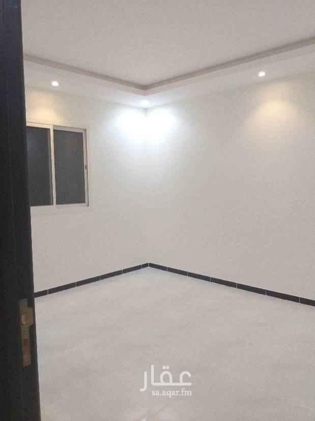 1703725 شقق سكنية للايجار بحي قرطبه مخرج( ٨)  الشقق في عماره جديده   بدون مكيفات وبدون مطبخ  يوجد شقق مع سطح