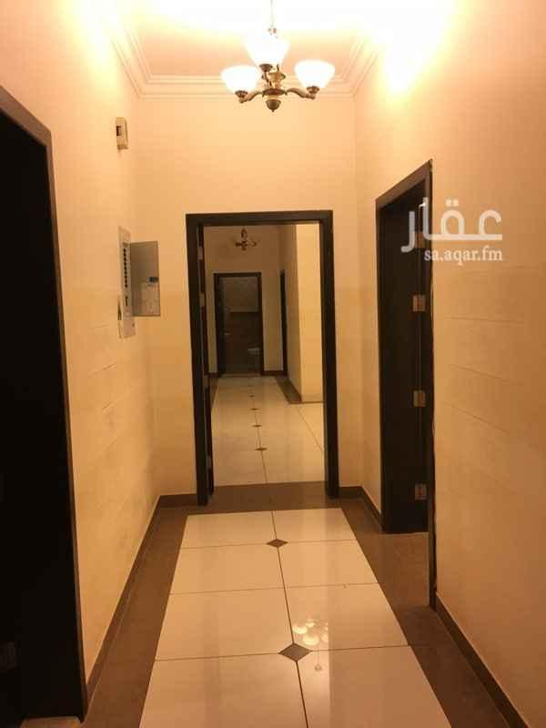 1552448 للبيع شقه بحي الياسمين  المساحه ١٤٠م الدور العلوي  تتكون من :- مجلس صاله مطبخ ٣ غرف نوم ٣ دوراة مياه  للتواصل 0502988852