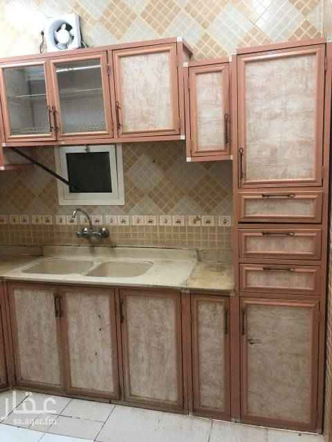 1719484 للايجار شقة باشبيليا رقم ٥بالمواصفات/ ٢غرفة +صاله + ٢حمام +مطبخ  مكيف صحرواي ( الصاله فقط) + مطبخ راكب  الاجار ١٣٠٠٠