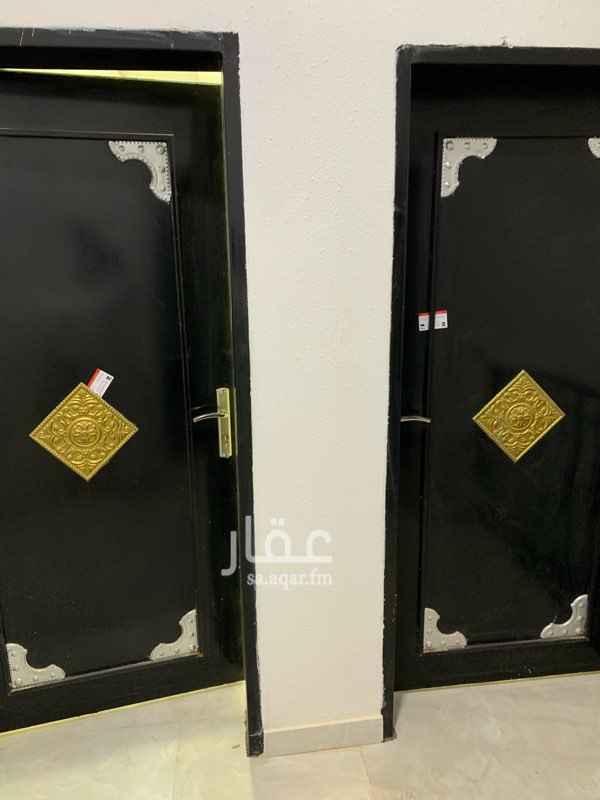 1516228 شقة جديدة ثلاث غرف وصالة حي المونسية للايجار السنوي دفعتين كامل الشقة اسقف جبسية مدخلين للرجال والنساء عداد كهرباء مستقل