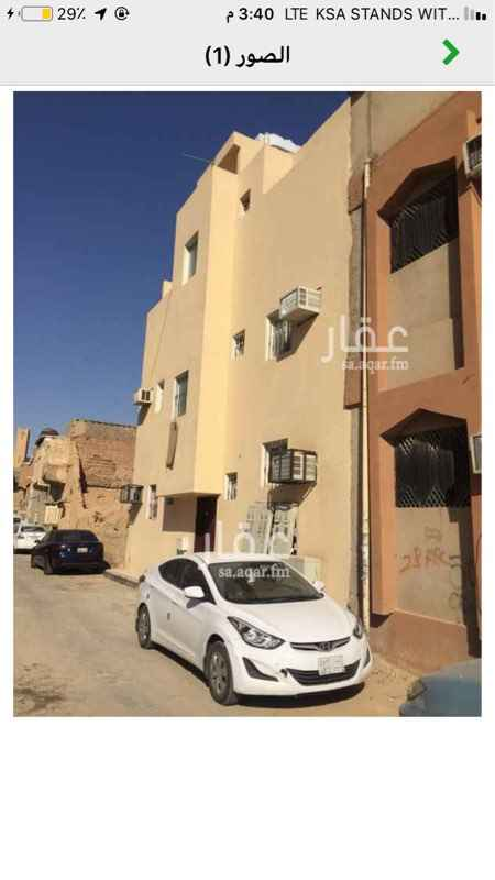 1742521 غرفة مع حمام عزاب حي الديره قريب من المعقليه وشارع السويلم مدخل مستقل. ومواقف سيارات