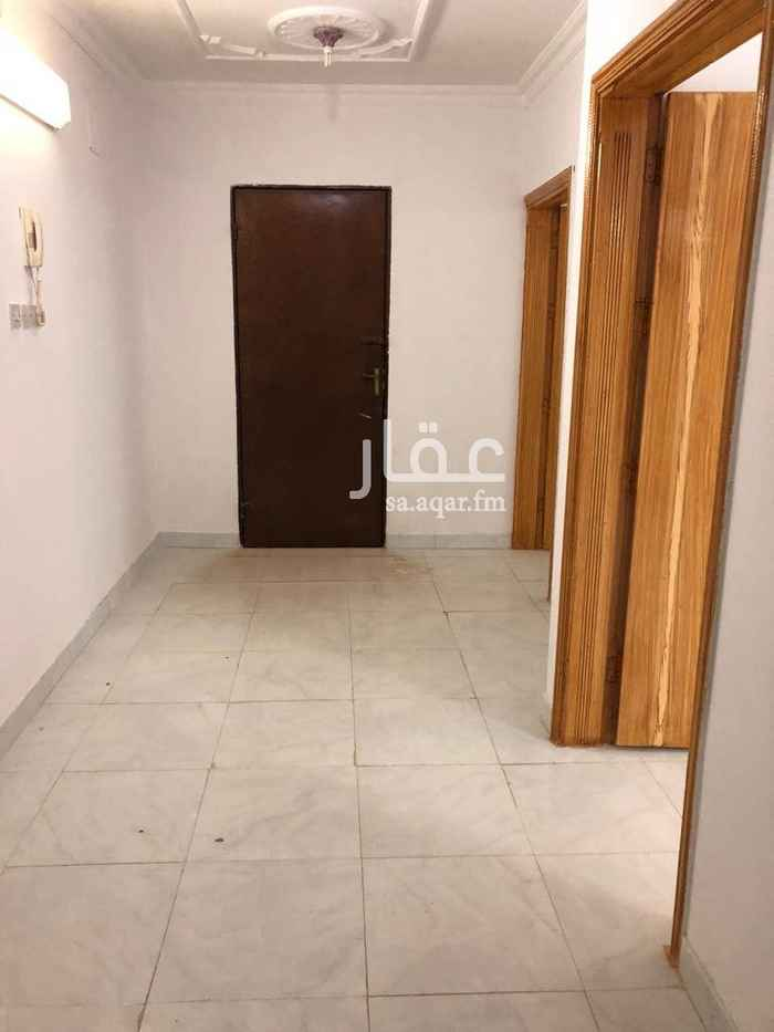 1593356 شقة دور ثالث مدخلين مستقلة (ملحق) +سطح كبير + غرفة نوم و صاله كبيره +مجلس و مقلط